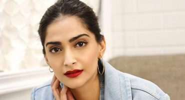 Sonam Kapoor Critized on sharing video after her arriving in  London.