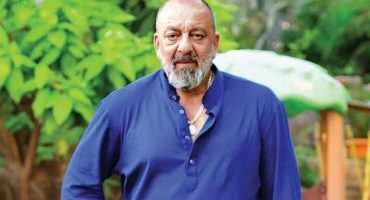Bollywood actor Sanjay Dutt diagnosed with lung cancer.