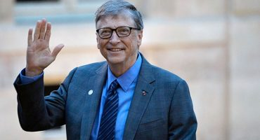 Bill Gates applauds Pakistan's effort to flatten the COVID curve