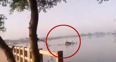 Khairpur a boat of flood victims capsized; 2 children killed