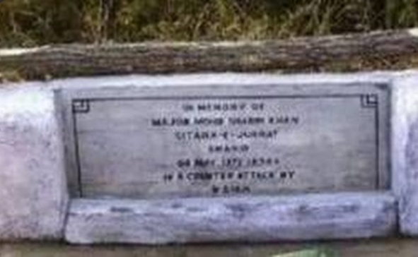 India decorated Pak Army Major's grave