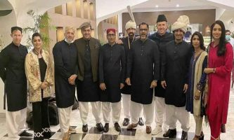 PSL Final: Commentary panel dressed up in national attire