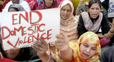 Stalker husband murders wife after a fight in Multan